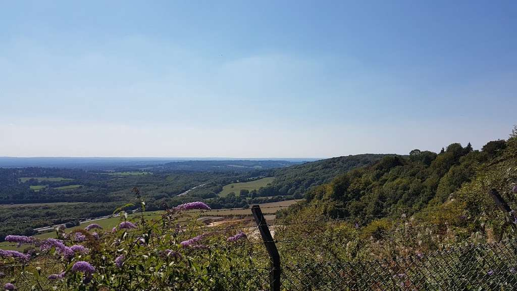 Woldingham Viewpoint - park    Photo 5 of 6   Address: Oxted, Caterham CR3 7AN, UK