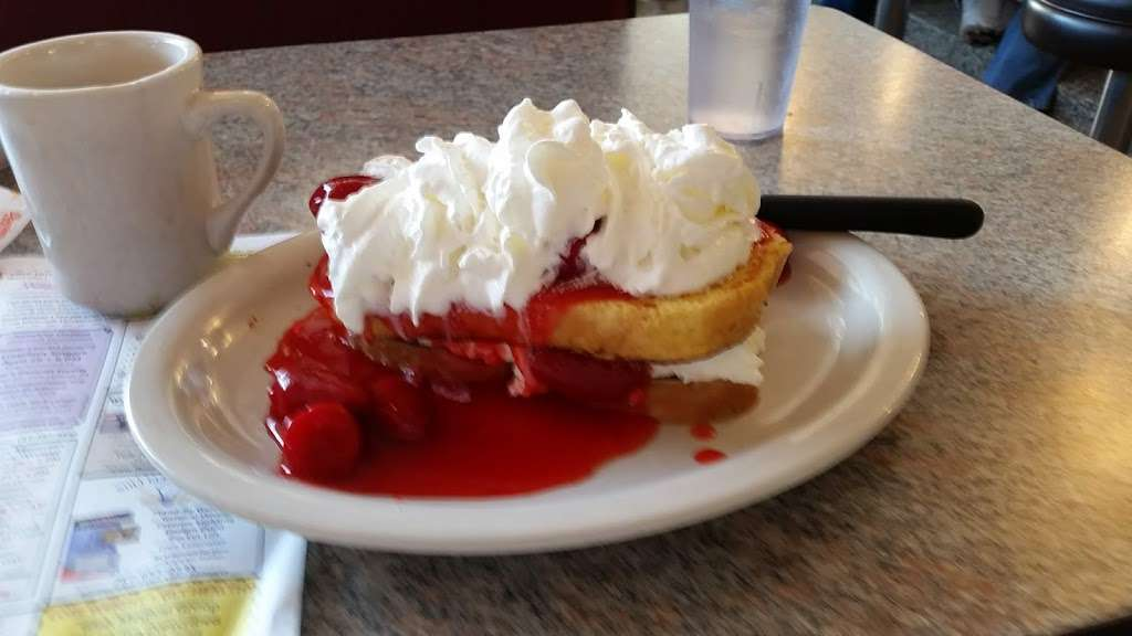 Columbia Diner - restaurant  | Photo 7 of 9 | Address: 1725 Columbia Ave, Lancaster, PA 17603, USA | Phone: (717) 392-8371