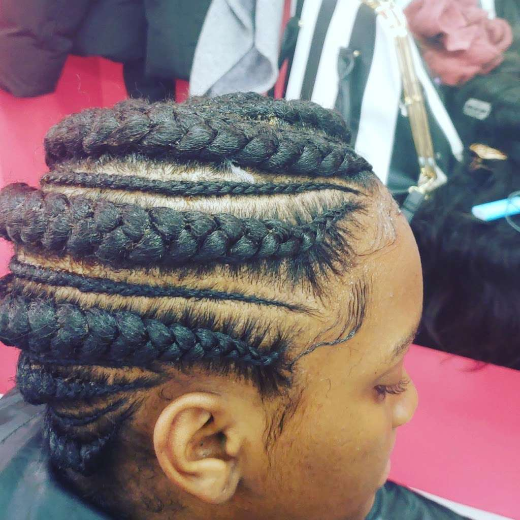 Mama African Hair Braiding - hair care  | Photo 5 of 10 | Address: 162 Rockaway Ave, Brooklyn, NY 11233, USA | Phone: (718) 635-1543