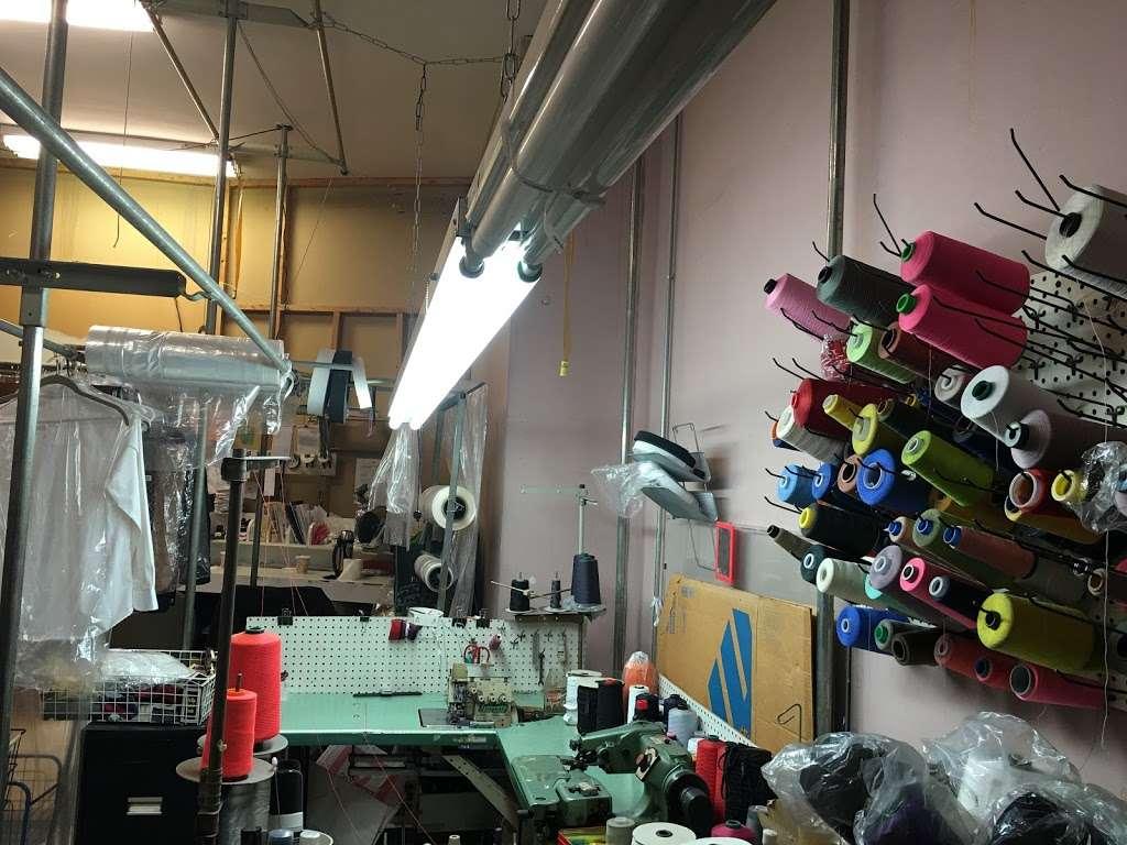 KingsBay Laundromat - laundry  | Photo 2 of 9 | Address: 6900 Bay Pkwy, Brooklyn, NY 11204, USA | Phone: (718) 837-4947