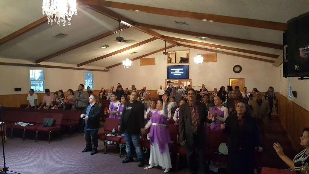 First Spanish Church of God - church  | Photo 1 of 5 | Address: 557 N Mill Rd, Vineland, NJ 08360, USA | Phone: (856) 690-2086