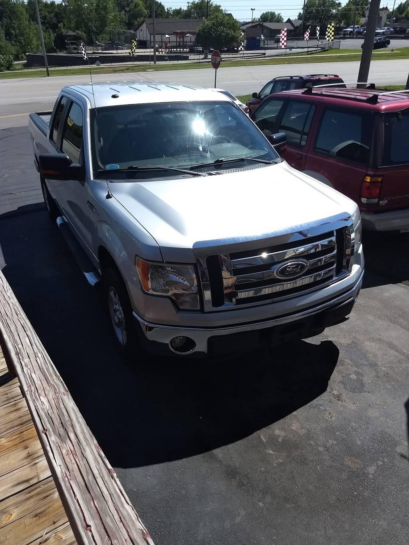 Stadium Auto LLC - car dealer  | Photo 4 of 5 | Address: 10812 East 39th St S, Independence, MO 64052, USA | Phone: (816) 313-0228