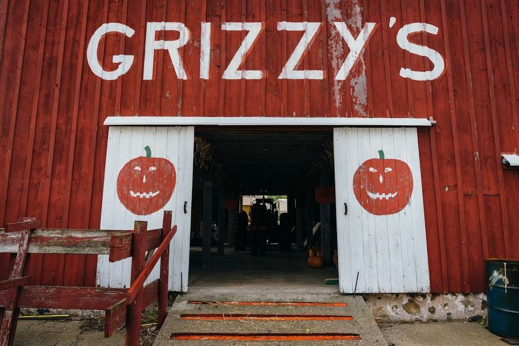 Grizzy's Pumpkins - store    Photo 9 of 10   Address: Marengo, IL 60152, USA
