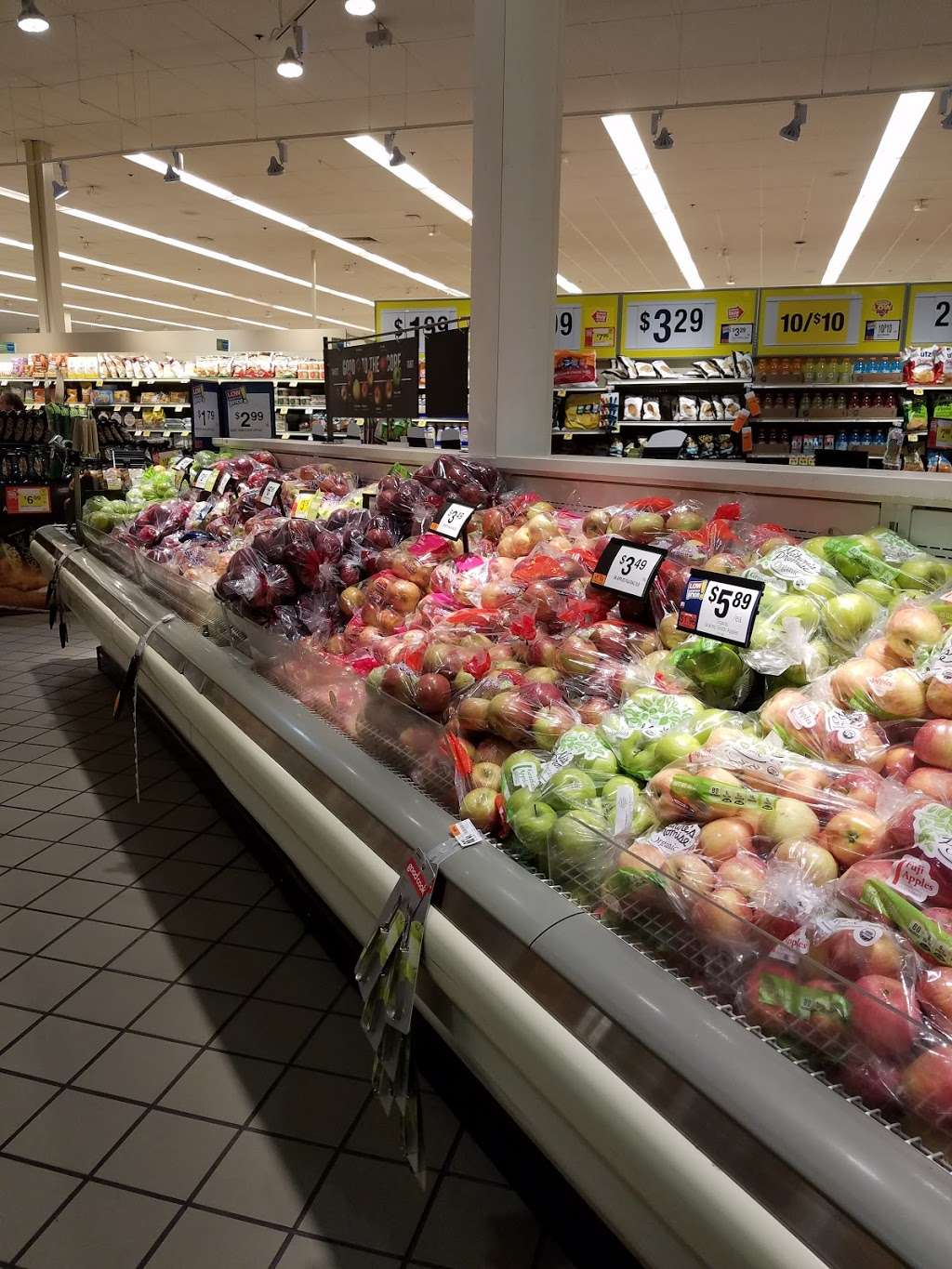 GIANT Food Stores, 1544 Route 61 Hwy S, #6100, Pottsville, PA 17901, USA
