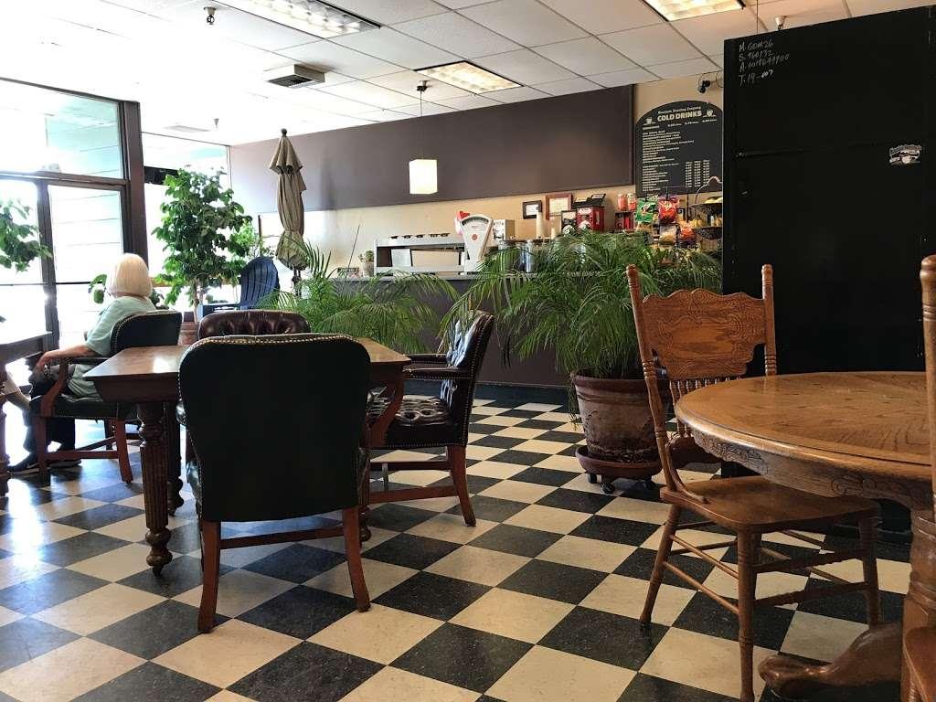 Mountain Roasting - cafe  | Photo 10 of 10 | Address: 6263 Graham Hill Rd, Felton, CA 95018, USA | Phone: (831) 335-9702
