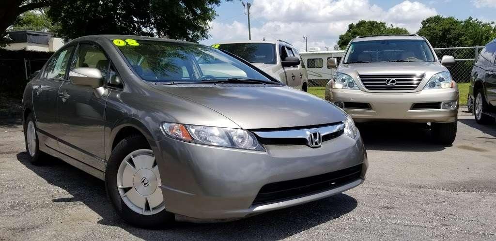 Caesars Auto Sales - car dealer    Photo 9 of 10   Address: 975 N US Hwy 17 92, Longwood, FL 32750, USA   Phone: (407) 695-1449