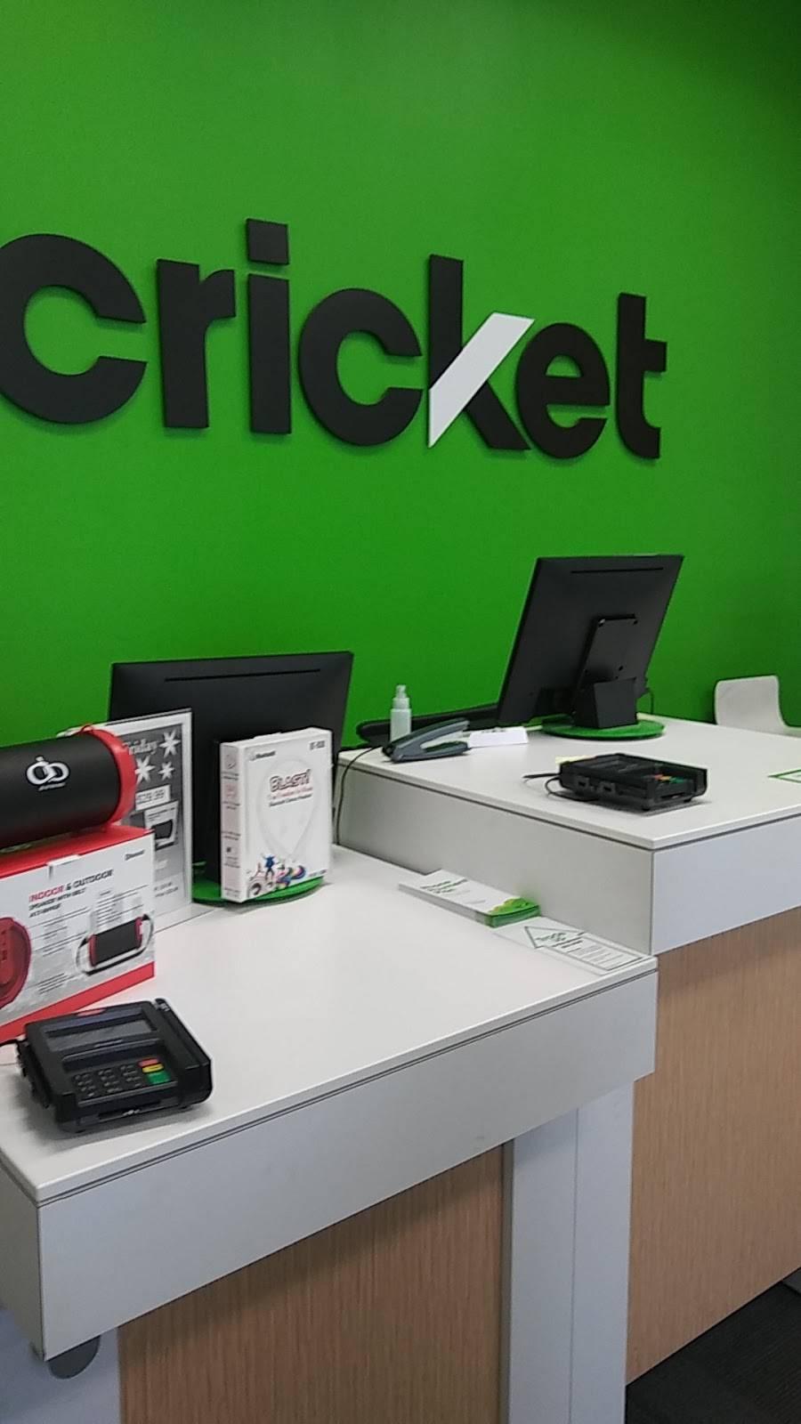 Cricket Wireless Authorized Retailer - store  | Photo 4 of 5 | Address: 5320 TX-359 Ste 101, Laredo, TX 78043, USA | Phone: (956) 722-3401