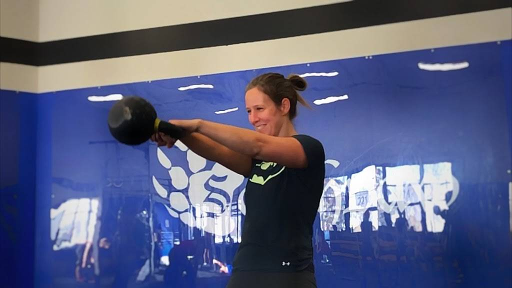 CrossFit Southpaw - gym    Photo 8 of 9   Address: 2214 County Hwy 10, Mounds View, MN 55112, USA   Phone: (651) 338-0067