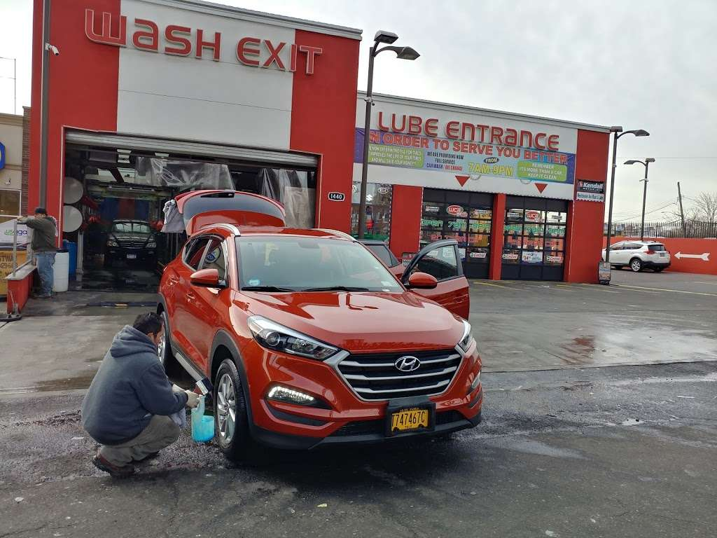 WESTCHESTER AVE CARWASH & LUBE INC. - car wash  | Photo 2 of 10 | Address: 1440 Westchester Ave, Bronx, NY 10472, USA | Phone: (718) 842-2185