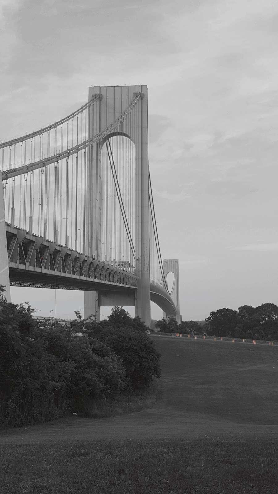 New York Av/Tompkins Av - bus station  | Photo 4 of 4 | Address: Staten Island, NY 10305, USA