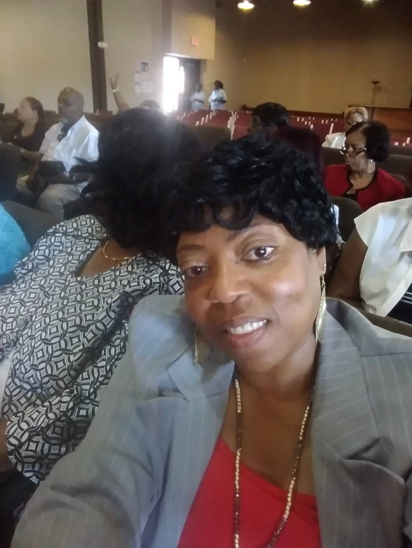 Castle Rock Community Church - church  | Photo 2 of 3 | Address: 2323 S Galvez St, New Orleans, LA 70125, USA | Phone: (504) 523-5556