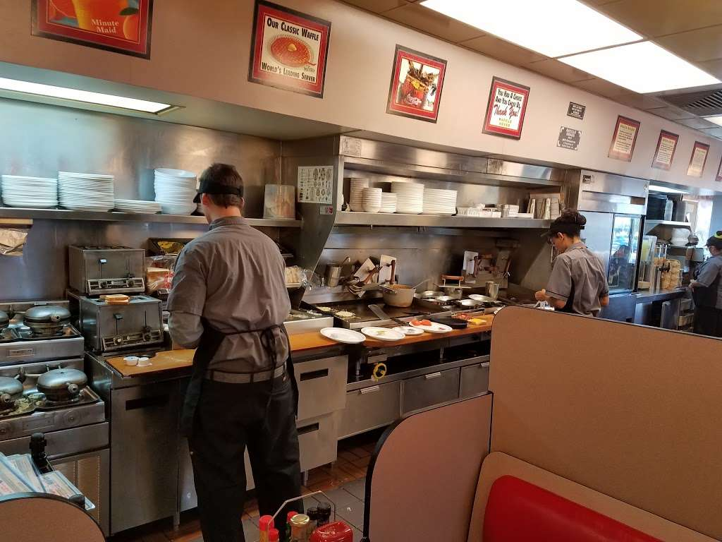 Waffle House - meal takeaway  | Photo 3 of 9 | Address: 1801 W Baseline Rd, Guadalupe, AZ 85283, USA | Phone: (480) 838-6407