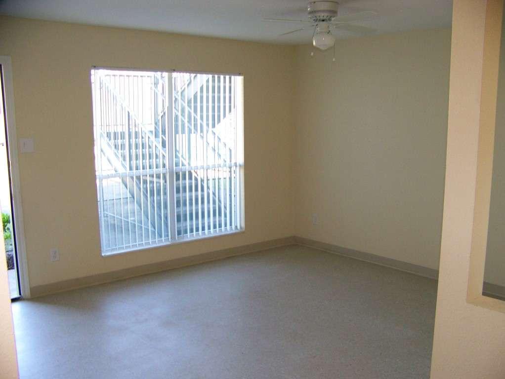 St James Village - real estate agency  | Photo 6 of 10 | Address: 3815 W Fuqua St, Houston, TX 77045, USA | Phone: (713) 434-2225