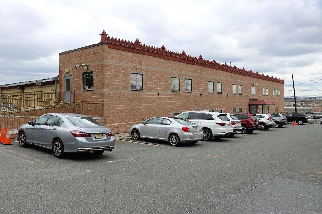 BAPS Shri Swaminarayan Mandir - hindu temple  | Photo 1 of 10 | Address: 2000 Tonnelle Ave, North Bergen, NJ 07047, USA | Phone: (201) 865-6555