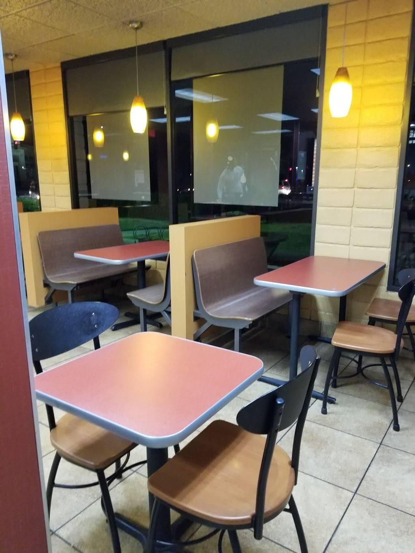 Jack in the Box - restaurant  | Photo 5 of 7 | Address: 3025 E Shaw Ave, Fresno, CA 93710, USA | Phone: (559) 292-7754