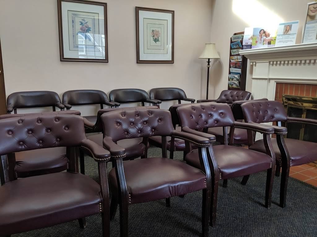Eastside Dermatology - doctor    Photo 1 of 2   Address: 20030 Mack Ave, Grosse Pointe Woods, MI 48236, USA   Phone: (313) 884-3380