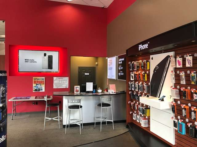 Verizon - store  | Photo 6 of 10 | Address: 30-02 30th Ave, Astoria, NY 11102, USA | Phone: (347) 924-9420