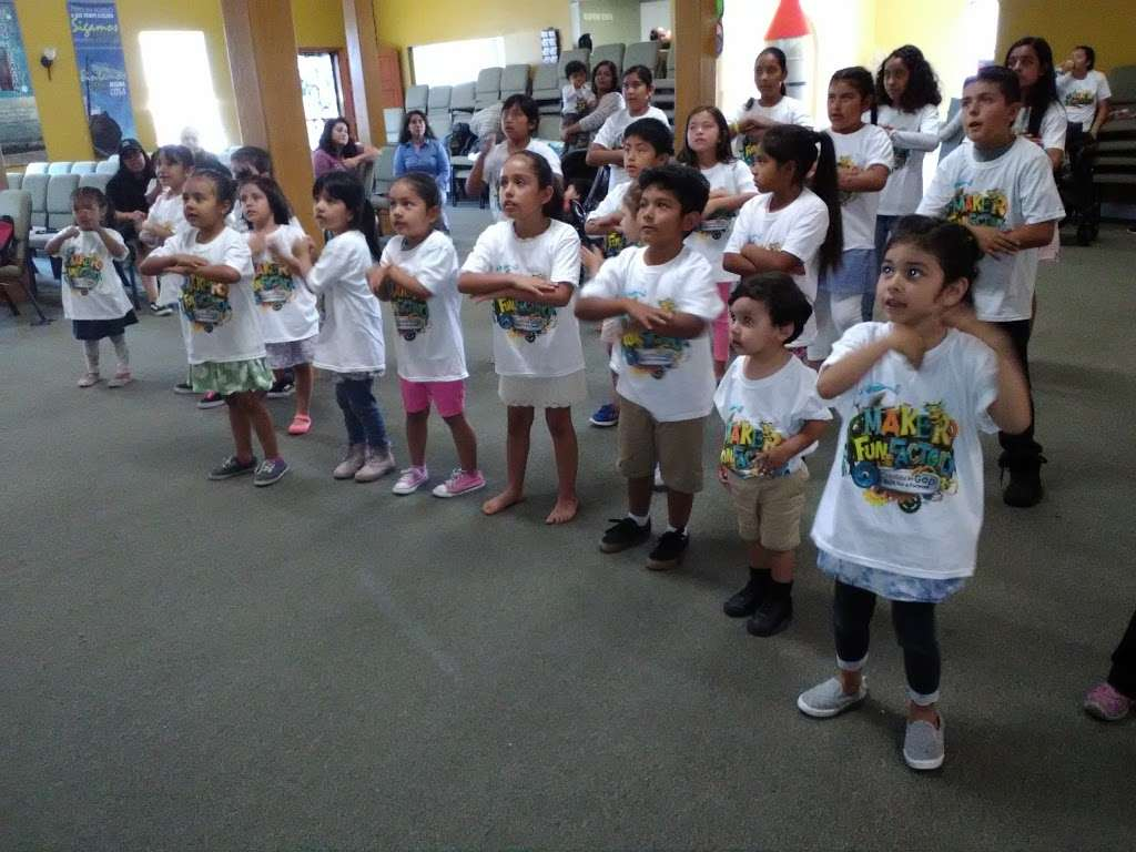 Asamblea Apostolica Amor Viviente - church  | Photo 9 of 10 | Address: 10900 S Inglewood Ave, Lennox, CA 90304, USA | Phone: (310) 671-4546