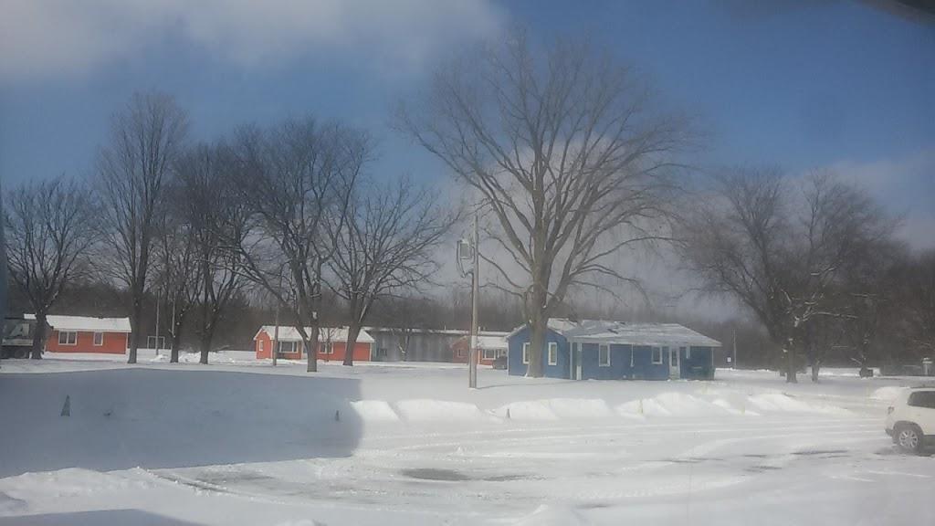 Fermilab Village House - lodging  | Photo 10 of 10 | Address: 18 Potawatomi Blvd, Fermilab, Batavia, IL 60510, USA