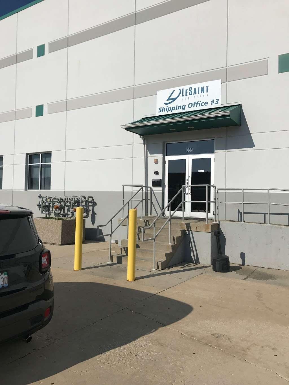 LeSaint Logistics - storage  | Photo 2 of 8 | Address: 868 W Crossroads Pkwy, Romeoville, IL 60446, USA | Phone: (630) 243-5950