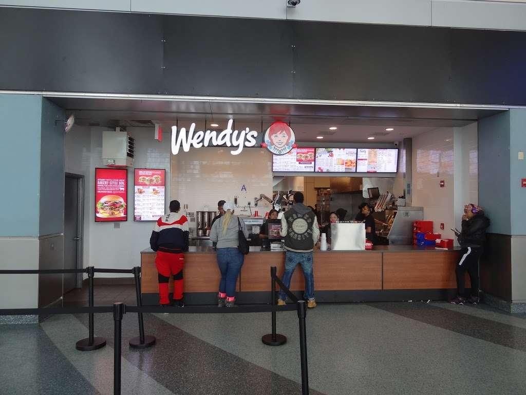 Wendys - restaurant  | Photo 10 of 10 | Address: 4 South St Space 2, New York, NY 10004, USA | Phone: (212) 220-9989