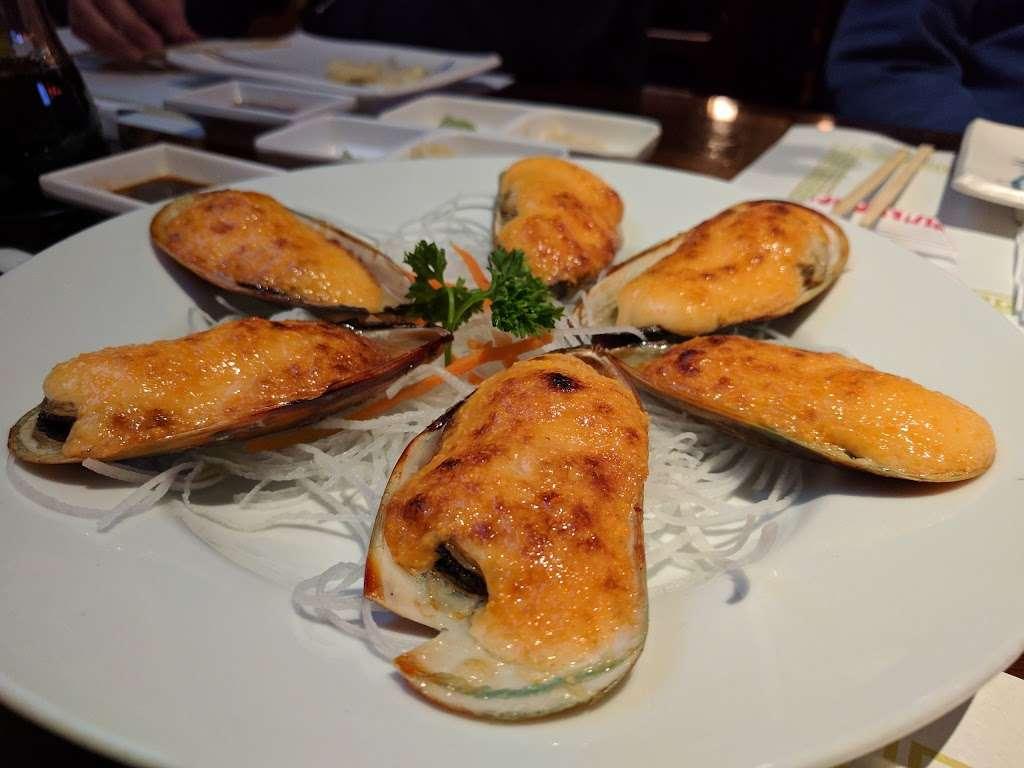 Crazy Rockn Sushi - restaurant  | Photo 5 of 10 | Address: 1546 W Redondo Beach Blvd, Gardena, CA 90247, USA | Phone: (310) 323-7655