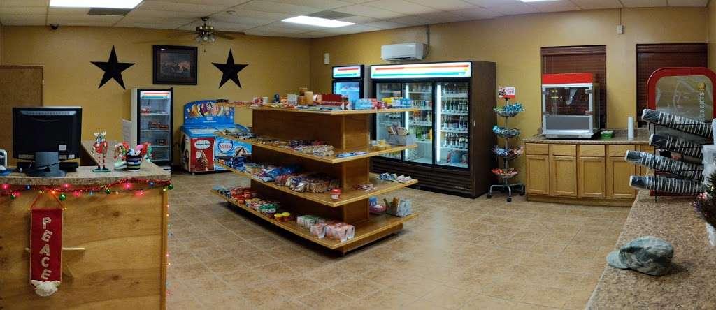 Gateway Inn - lodging  | Photo 4 of 10 | Address: 1750 Femoyer St, San Antonio, TX 78236, USA | Phone: (210) 673-6930