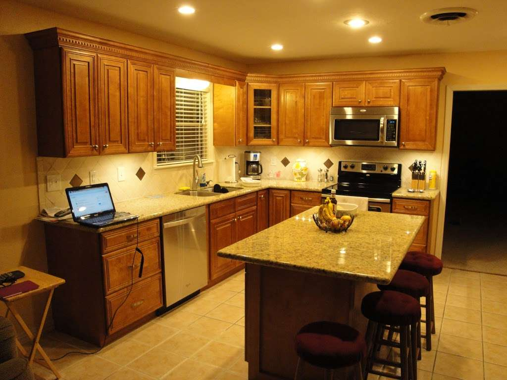 Adila Cabinets LLC - furniture store    Photo 6 of 9   Address: 2115 61st St #108B, Galveston, TX 77551, USA   Phone: (409) 741-7772