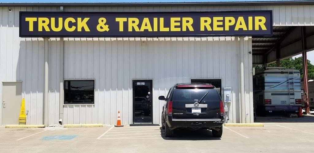 East Dallas Diesel Repair - parking  | Photo 3 of 8 | Address: 11801 C F Hawn Fwy, Dallas, TX 75253, USA | Phone: (972) 863-9000