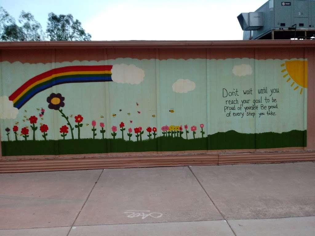 Crismon Elementary School - school  | Photo 9 of 10 | Address: 825 W Medina Ave, Mesa, AZ 85210, USA | Phone: (480) 472-4000