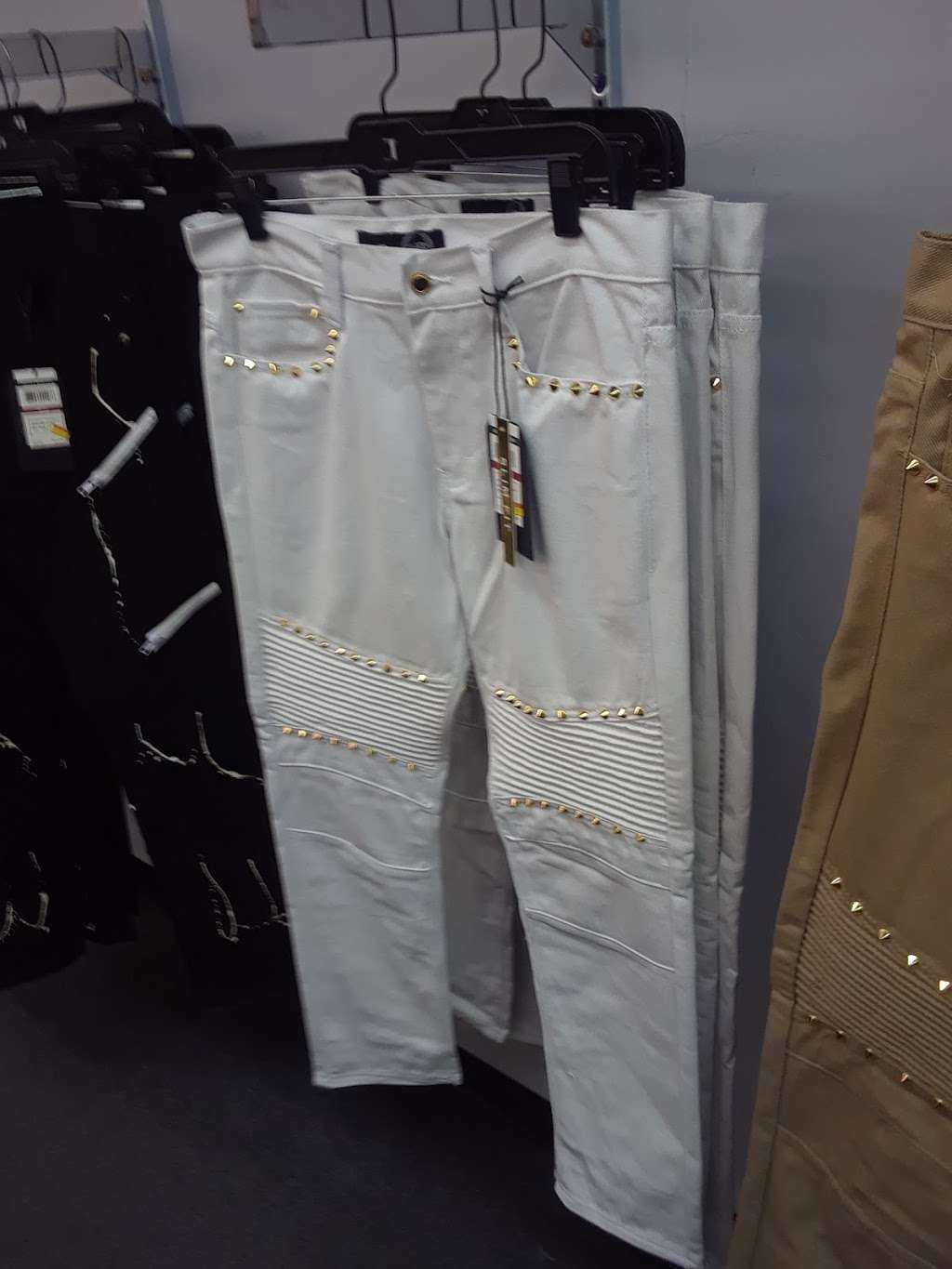 Mr. Guy - clothing store  | Photo 7 of 8 | Address: N Michigan Rd, Indianapolis, IN 46268, USA | Phone: (317) 293-1234