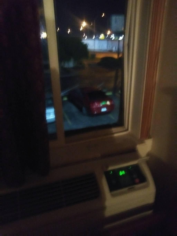 Regency Inn - lodging  | Photo 10 of 10 | Address: 6125 W Kellogg Dr, Wichita, KS 67209, USA | Phone: (316) 942-1341