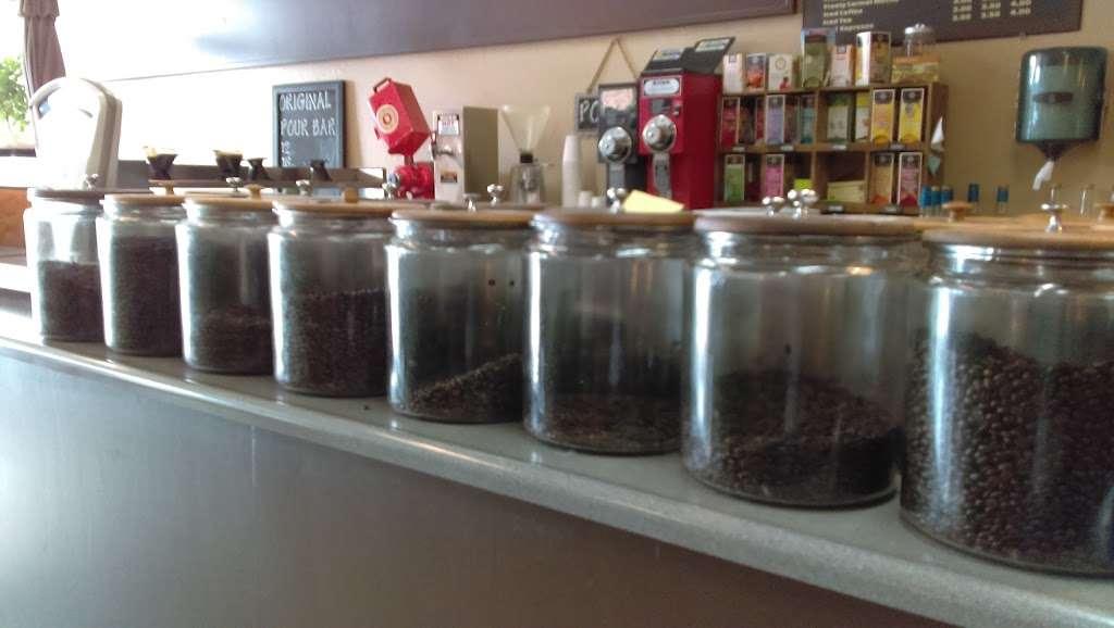 Mountain Roasting - cafe  | Photo 5 of 10 | Address: 6263 Graham Hill Rd, Felton, CA 95018, USA | Phone: (831) 335-9702