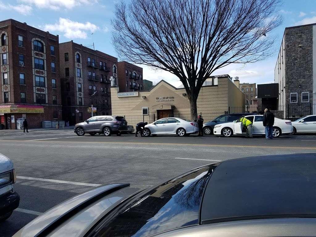 Church of God of Southern Boulevard - church  | Photo 1 of 1 | Address: 2127 Southern Blvd, Bronx, NY 10460, USA | Phone: (718) 295-3599
