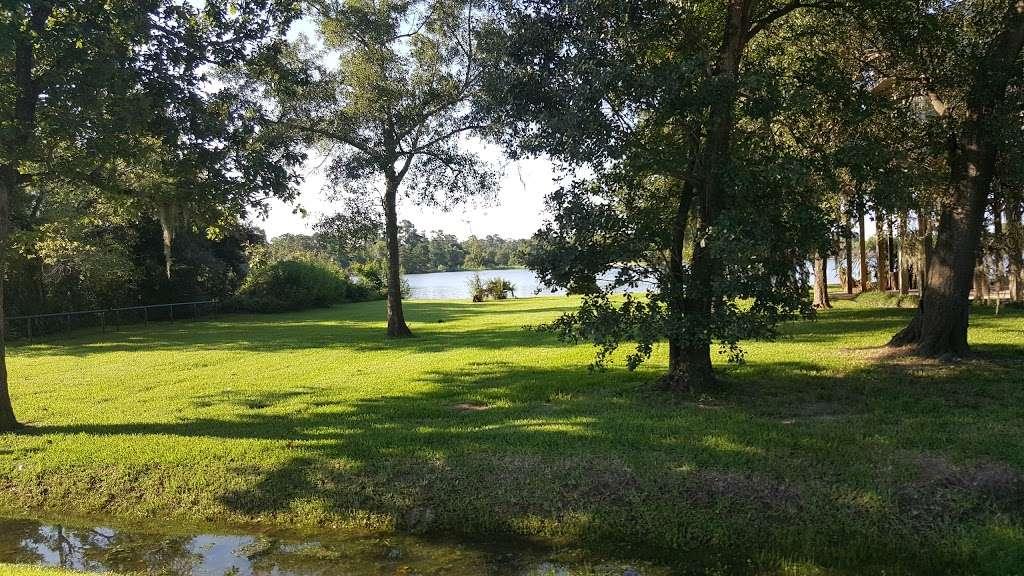Rio Villa Nature Trail - park  | Photo 4 of 10 | Address: Wallisville Rd & Rio Villa Dr, Houston, TX 77049, USA | Phone: (713) 274-7275