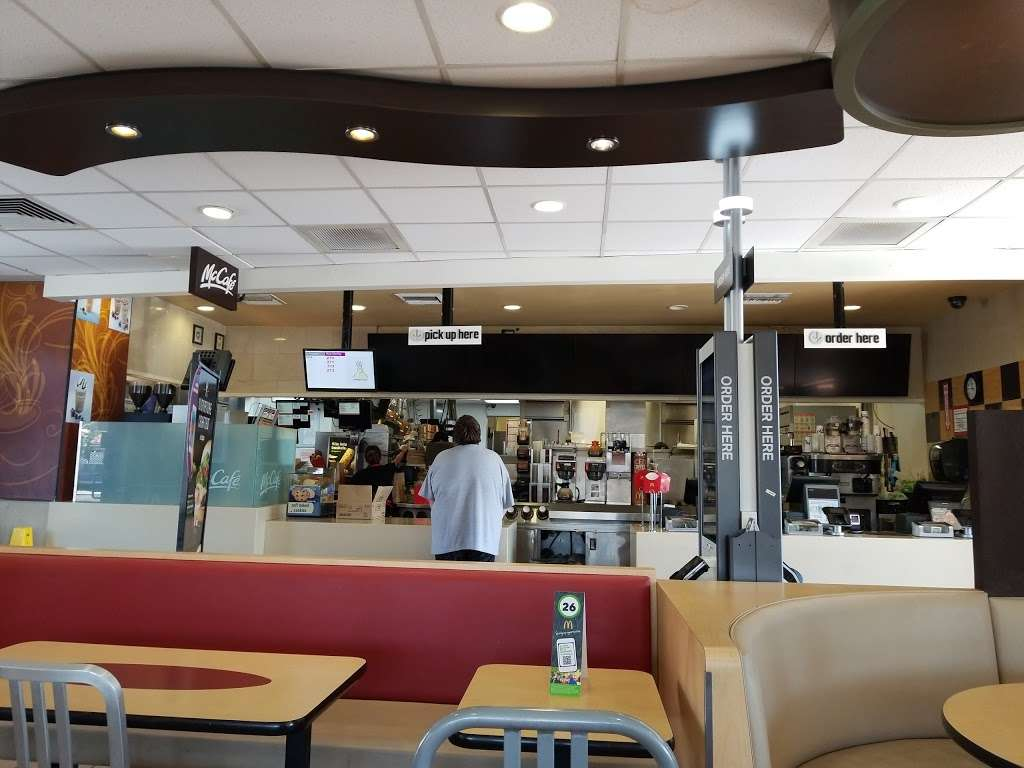 McDonalds - cafe    Photo 2 of 10   Address: 138 Harvard Blvd, Santa Paula, CA 93060, USA   Phone: (805) 525-1980