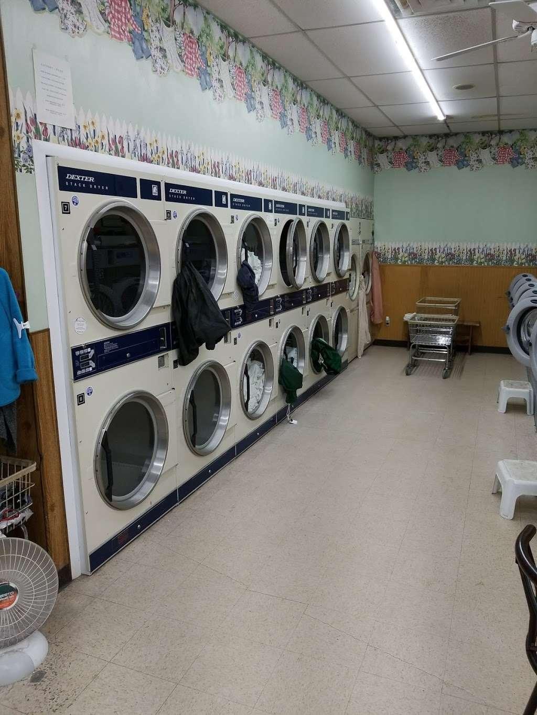 Soap Box laundromat & organic dry cleaning - laundry  | Photo 6 of 6 | Address: 529 10th St, Palisades Park, NJ 07650, USA | Phone: (201) 585-2793