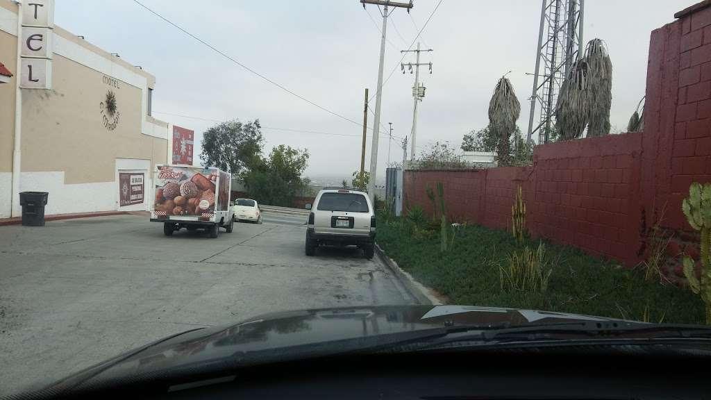 Motel El Mirador - lodging  | Photo 7 of 10 | Address: Gral. Ramón Arnaiz, Soler, 22530 Tijuana, B.C., Mexico | Phone: 664 166 2761