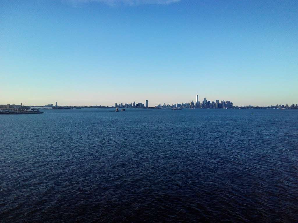 ArtSpace @ Staten Island Arts - art gallery  | Photo 2 of 4 | Address: 7 Navy Pier Ct, Staten Island, NY 10304, USA | Phone: (718) 447-3329