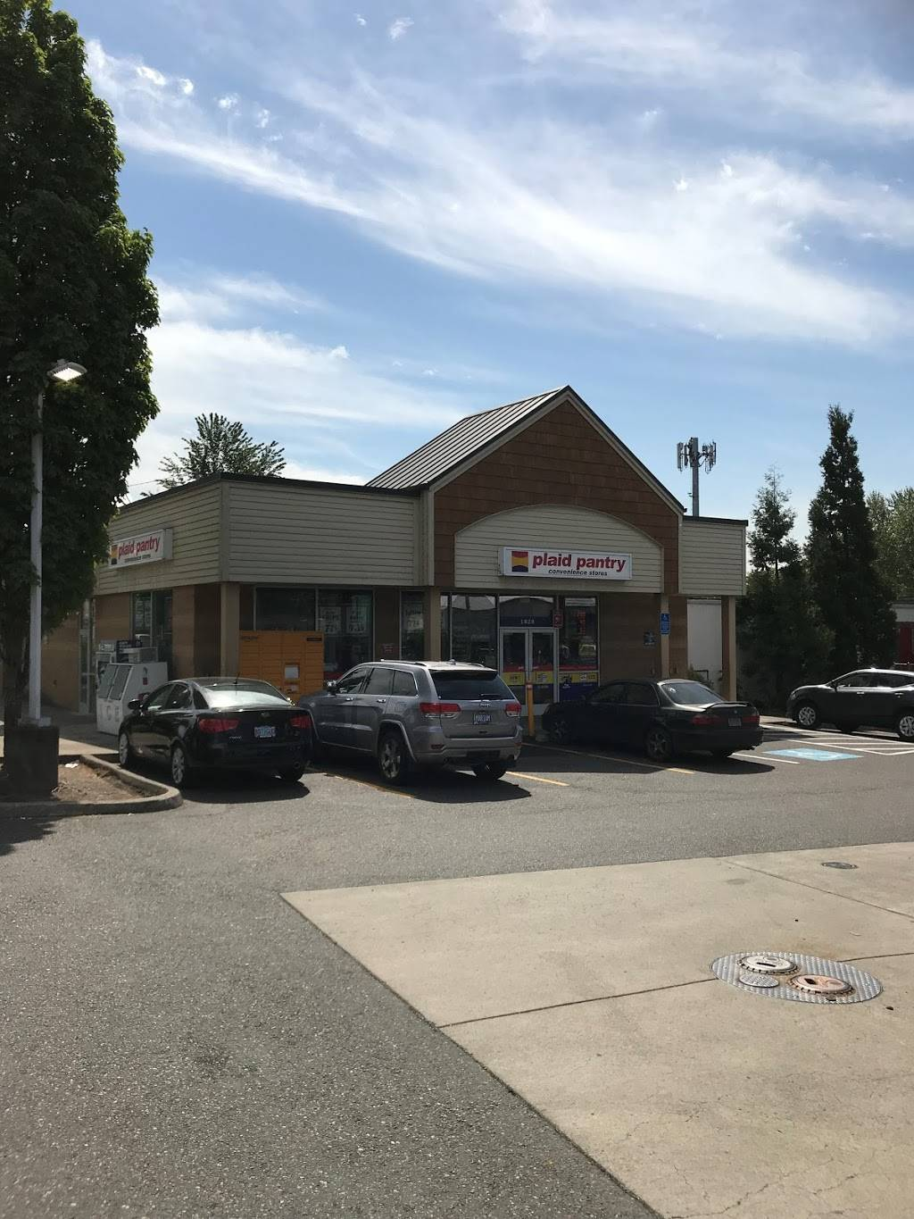 Plaid Pantry - convenience store  | Photo 1 of 9 | Address: 1020 N Marine Dr, Portland, OR 97217, USA | Phone: (503) 517-0457