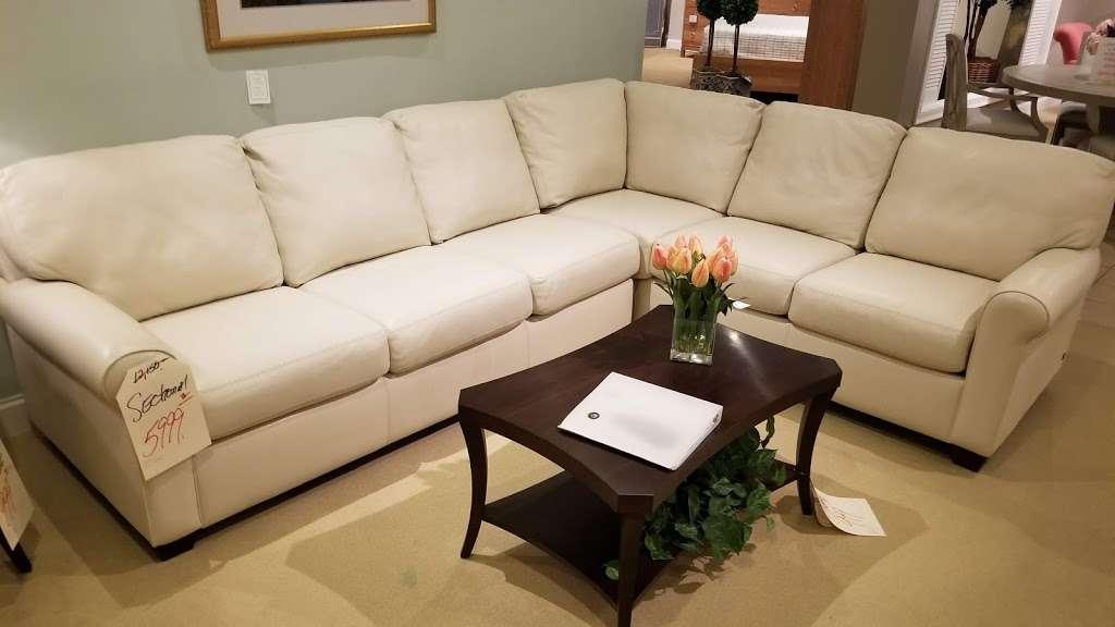 Cabot House Furniture - furniture store  | Photo 5 of 10 | Address: 266 Main St, Weymouth, MA 02188, USA | Phone: (781) 331-6000