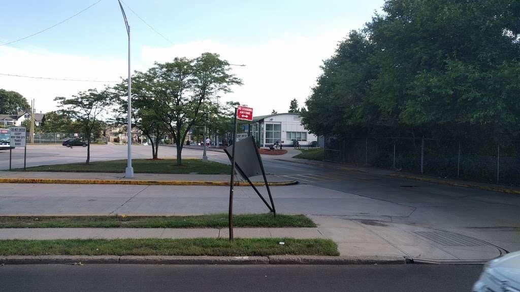 Eltingville/Transit Center - bus station    Photo 3 of 9   Address: Staten Island, NY 10312, USA