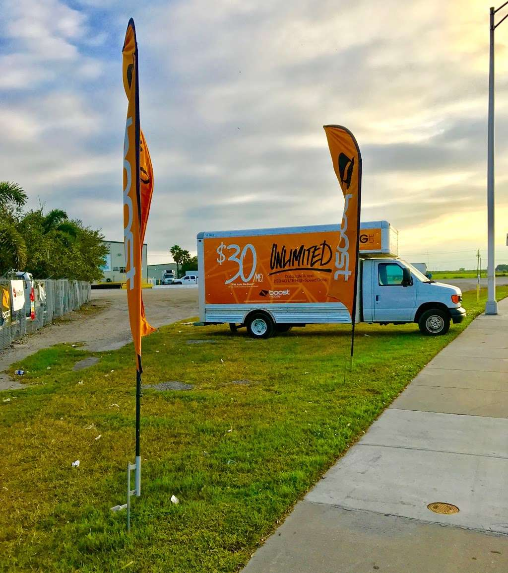 Boost Mobile - store  | Photo 4 of 10 | Address: 1425 S Main St, Belle Glade, FL 33430, USA | Phone: (561) 609-1014