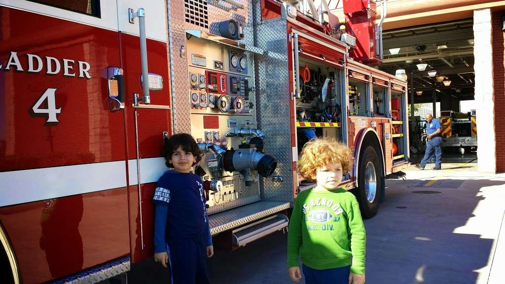 Pearland Fire Station 4 - fire station  | Photo 2 of 6 | Address: 8333 Freedom Dr, Pearland, TX 77584, USA | Phone: (281) 997-5851