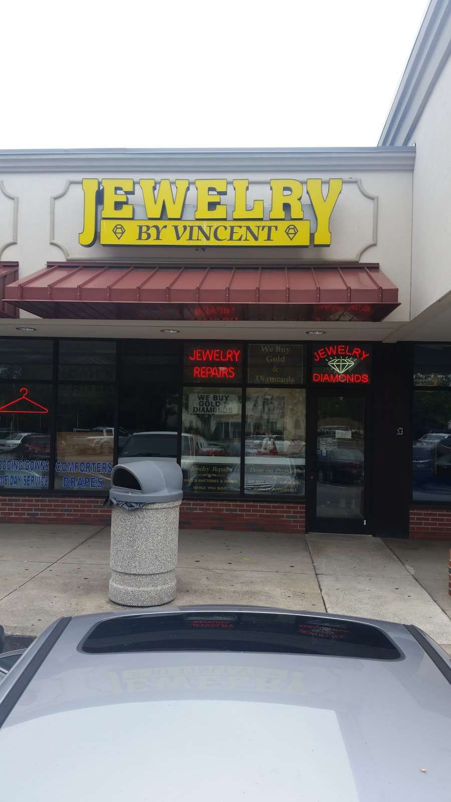 Jewelry By Vincent - jewelry store  | Photo 1 of 1 | Address: 842 River Rd, New Milford, NJ 07646, USA | Phone: (201) 265-6884