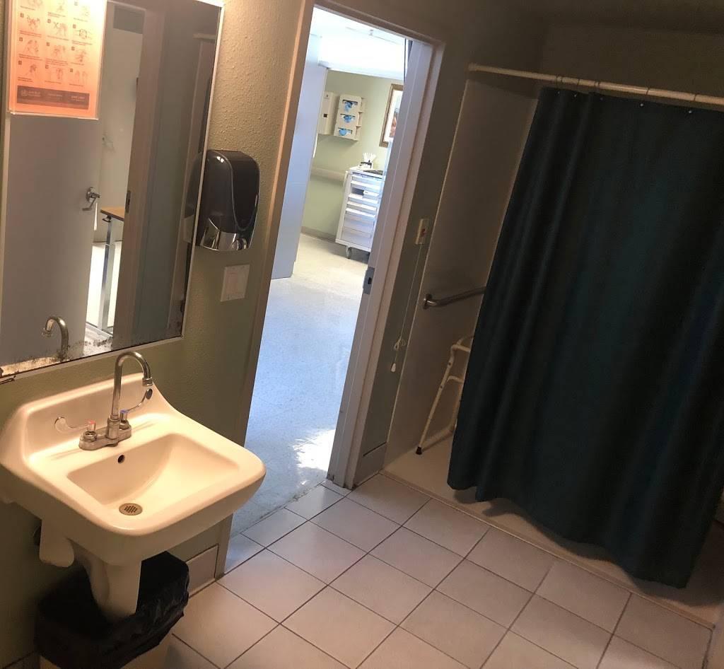 El Paso LTAC Hospital - hospital  | Photo 4 of 8 | Address: 1221 N Cotton St # 3, El Paso, TX 79902, USA | Phone: (915) 546-5822