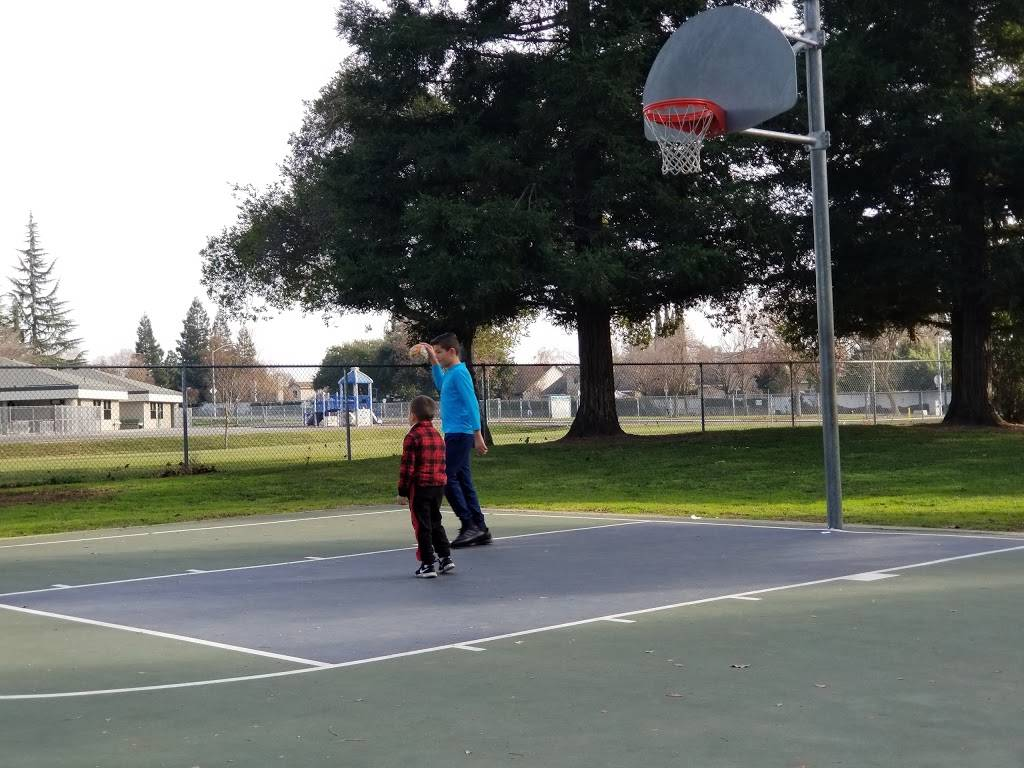 Baxter Park - park    Photo 3 of 6   Address: 10410 Muir Woods Ave, Stockton, CA 95209, USA   Phone: (209) 937-8206