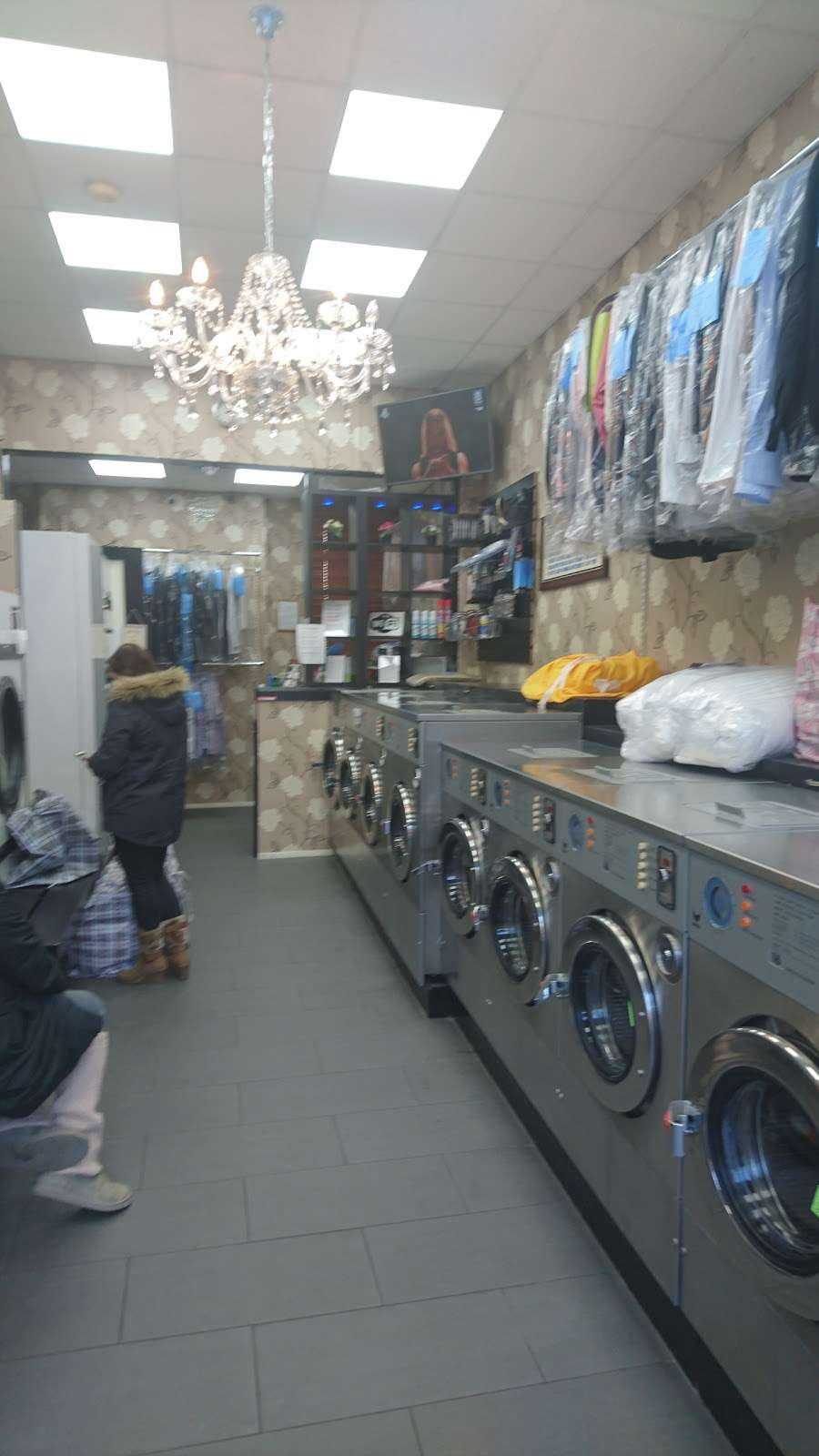 King Dry Cleaning & Laundrette - laundry  | Photo 8 of 10 | Address: 35 Church Rd, London NW4 4EB, UK | Phone: 020 8201 5050