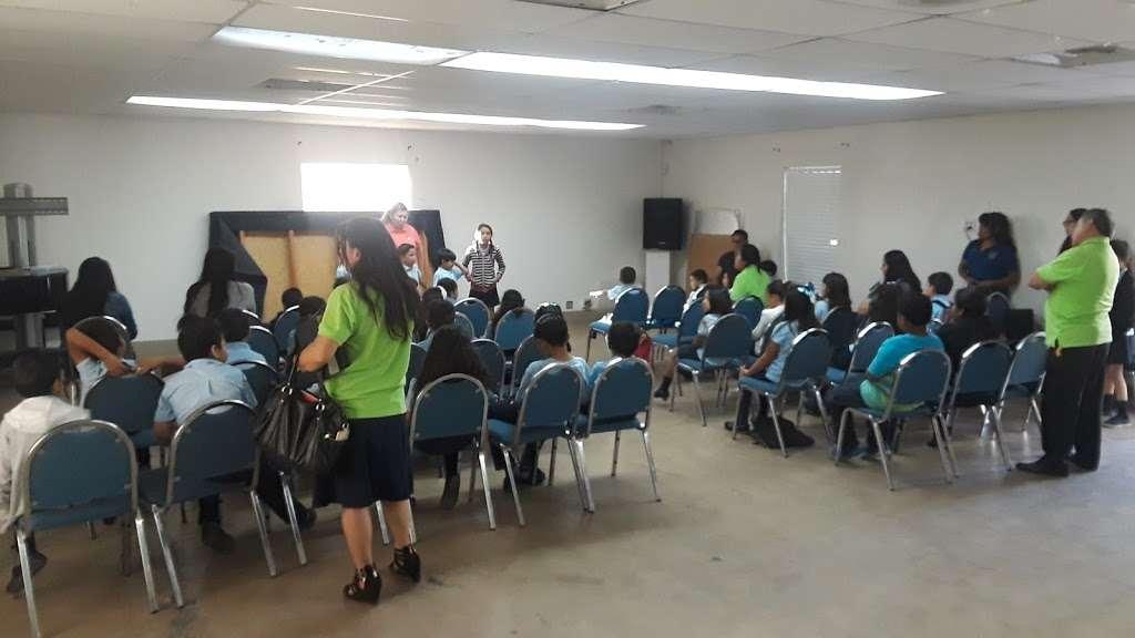 Maranatha Hispanic Seventh Day Adventist Church - church    Photo 3 of 10   Address: 101 E Washburn Rd, North Las Vegas, NV 89031, USA   Phone: (702) 253-3900