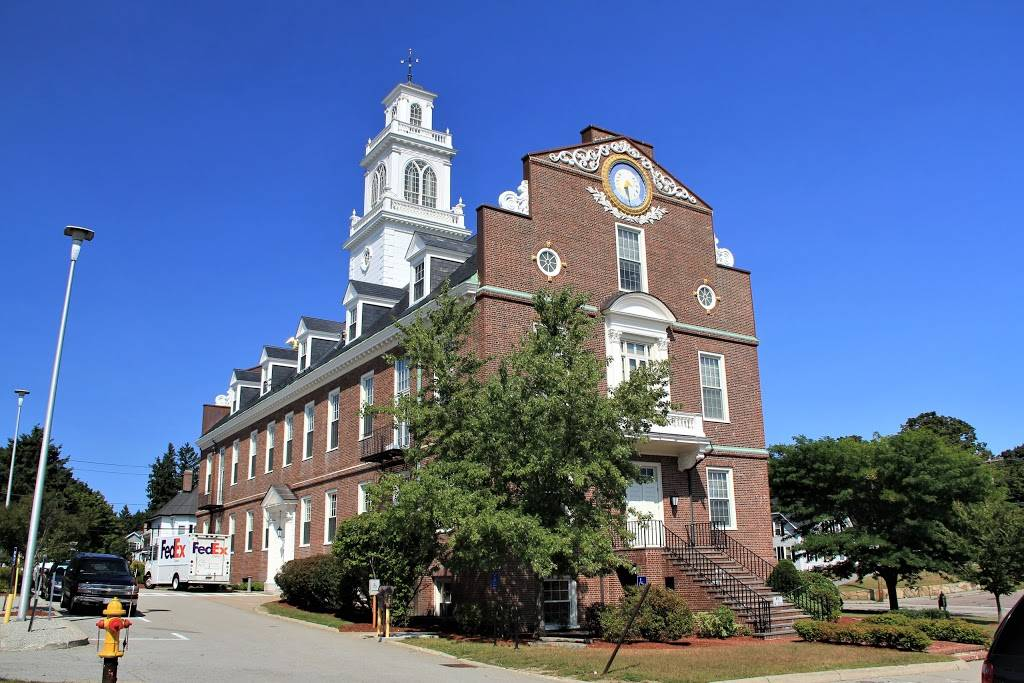 Weymouth Town Hall - city hall  | Photo 1 of 4 | Address: 75 Middle St, Weymouth, MA 02189, USA | Phone: (781) 335-2000
